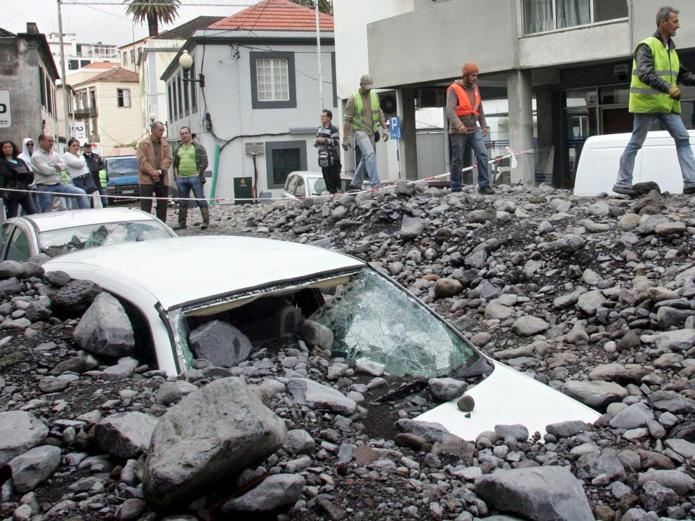Los desprendimientos de tierra han provocado grandes destrozos en Funchal