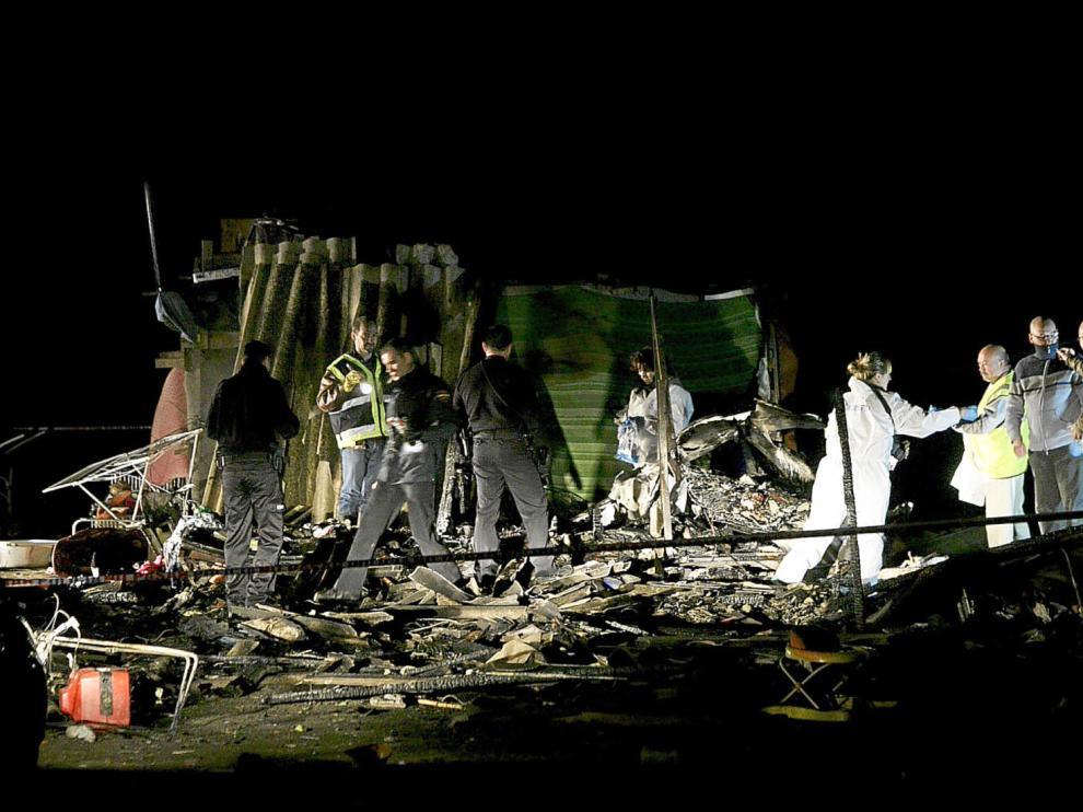 Una niña muerta y seis familiares quemados al arder una caravana junto al río Gállego