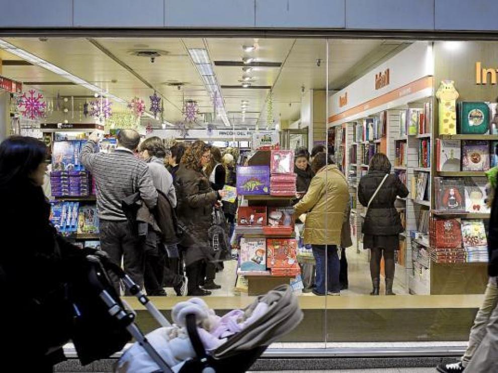 La mejor respuesta del consumo ha sido determinante en la mejora  registrada por la economía