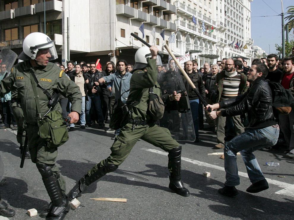 Grecia se paraliza contra las medidas anticrisis del Gobierno
