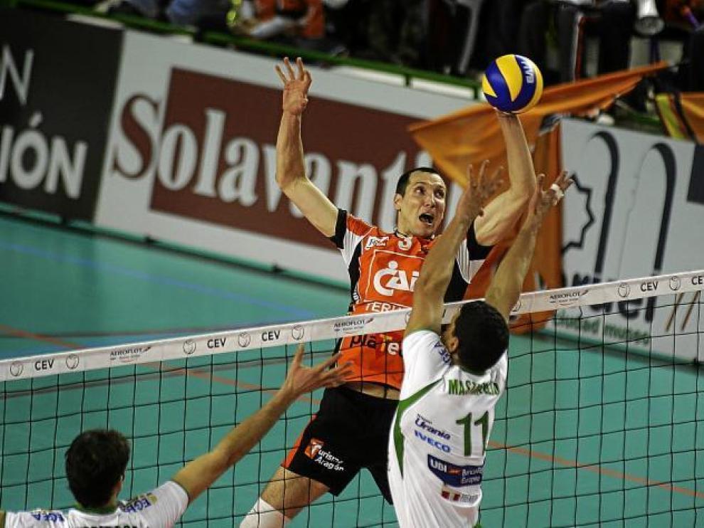 Julián García-Torres, dispuesto a superar al italiano Mastrangelo en la red.