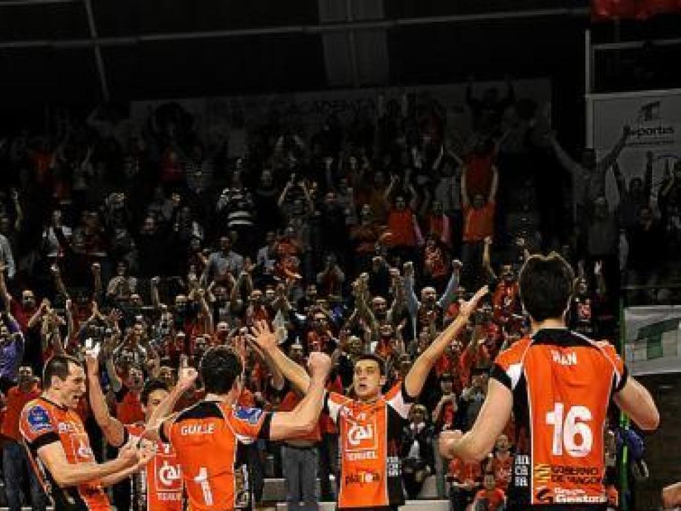 El CAI Teruel celebra uno de los puntos ante el Cuneo