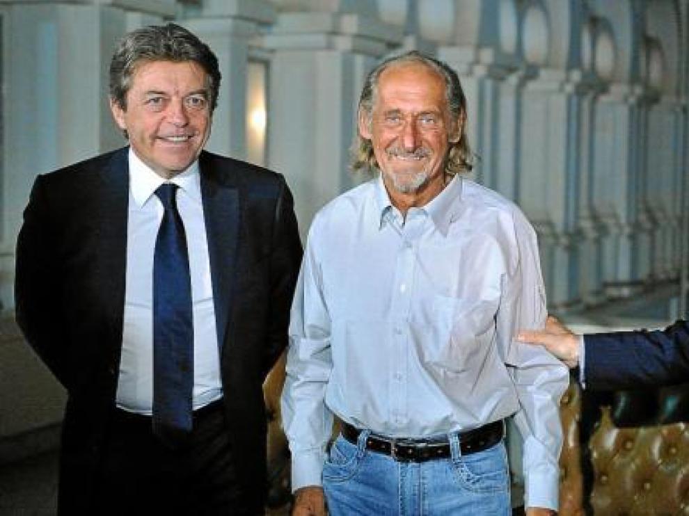 Pierre Camatte (c), junto a Sarkozy (d) y Joyandet, ayer en el palacio Presidencial de Bamako