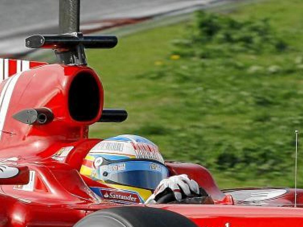 Fernando Alonso, durante su actuación ayer en Montmeló