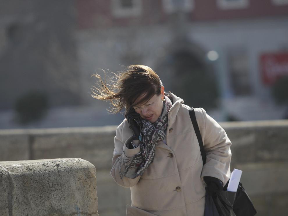 Imagen tomada en la última jornada de fuertes vientos en Zaragoza