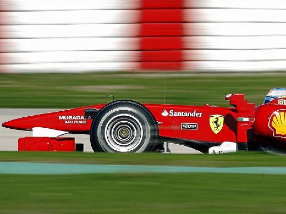 Fernando Alonso, en los entrenamientos de ayer en Montmeló