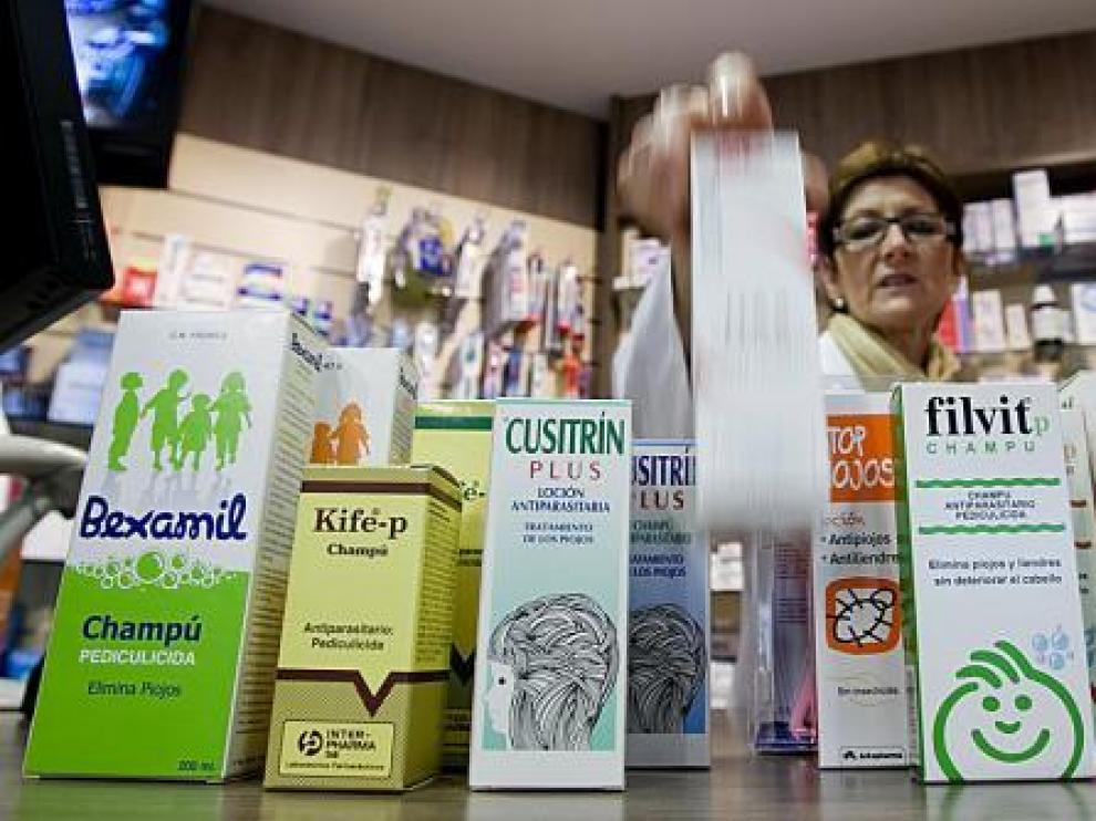 En el mercado hay un amplio repertorio de productos contra los piojos.