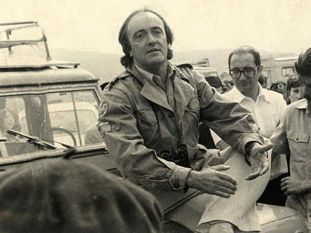 Félix Rodríguez de la Fuente, durante su visita a Gallocanta en 1978, en pleno debate sobre la posible desecación de la laguna.