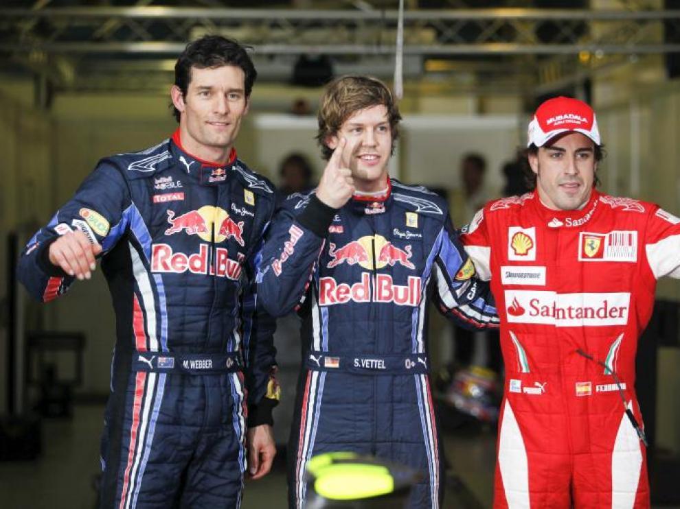Fernando Alonso tuvo que luchar contra los pilotos de Red Bull, Sebastian Vettel y Mark Webber