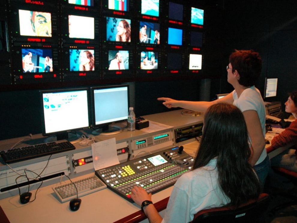 Sala de control de realización de Aragón Televisión