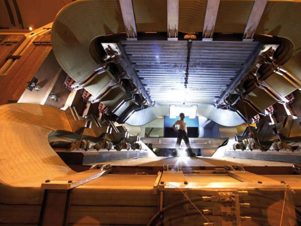 El experimento LHCb pesa 4.500 toneladas y reposa en una enorme caverna