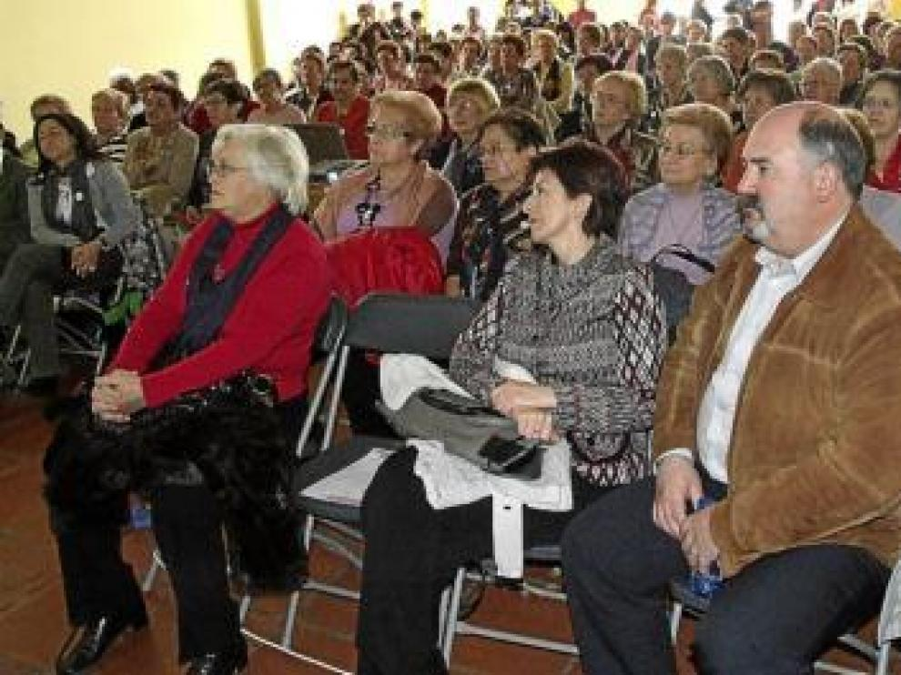 Un gran número de mujeres se sumaron a la convocatoria.