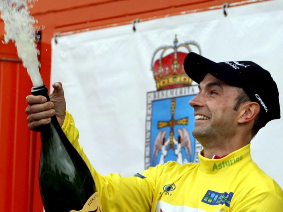 El ciclista aragonés descorcha el champán como líder