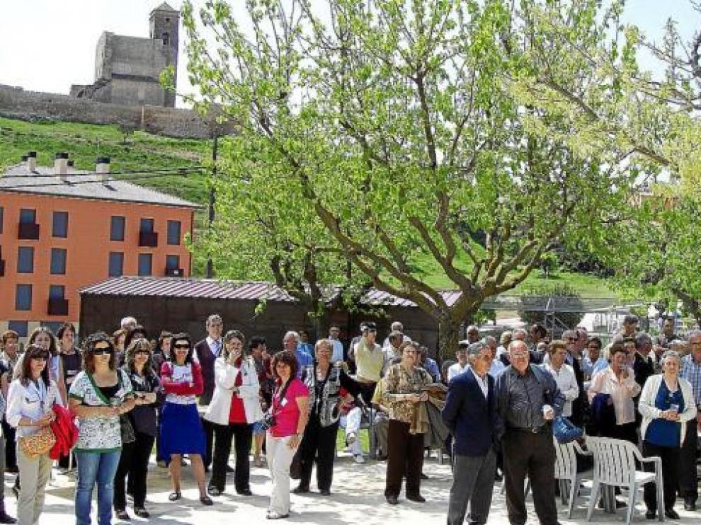 Participantes en el encuentro de mayores en la residencia de la Tercera Edad de Benabarre, imagen de archivo.