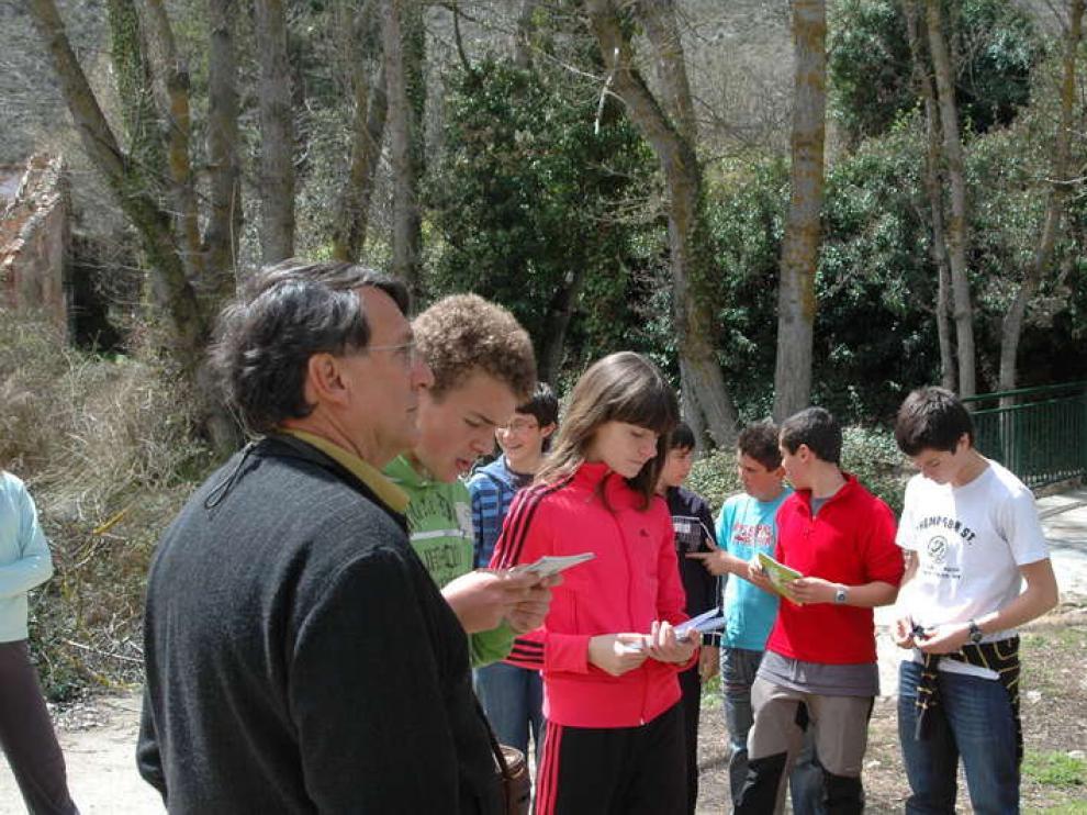 Joaquín Araujo con los alumnos de la Escuela de Naturalistas