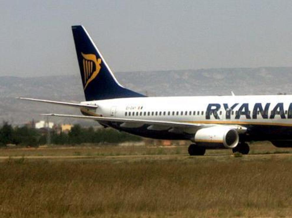 La aerolínea irlandesa mantendrá sus ocho vuelos durante cinco años, según el acuerdo económico pactado.