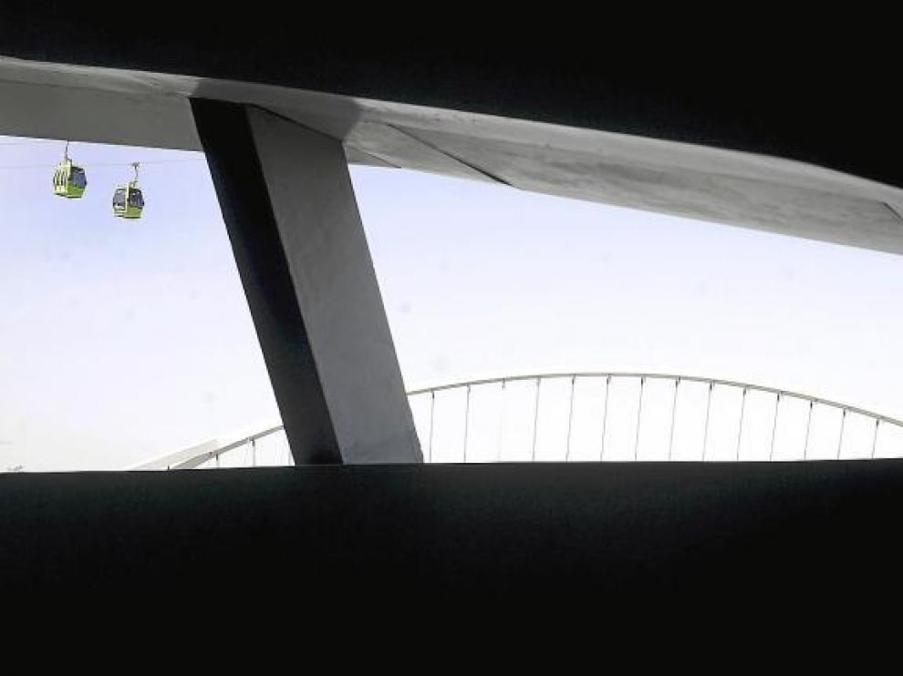 Vista interior del pabellón puente, uno de los lugares que ayer visitó el equipo de Amenábar y donde filmarán este mismo mes.