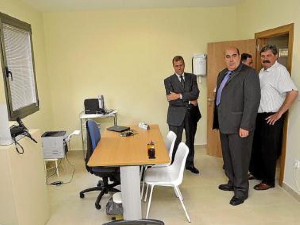Las autoridades visitaron la sede, que incluye un consultorio médico.