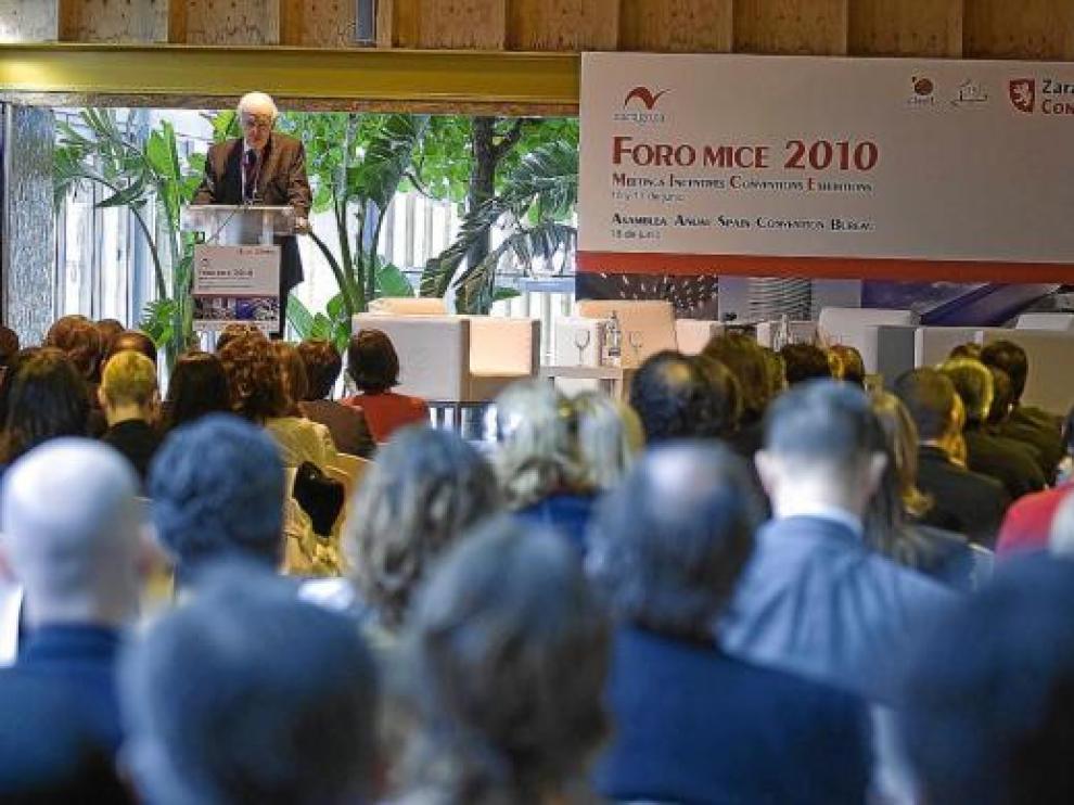 Leopoldo Abadía, durante su intervención de ayer en el Foro Mice de Zaragoza.