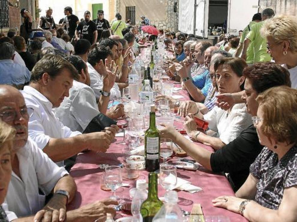 Imagen de la comida popular a la que asistieron unas 500 personas.