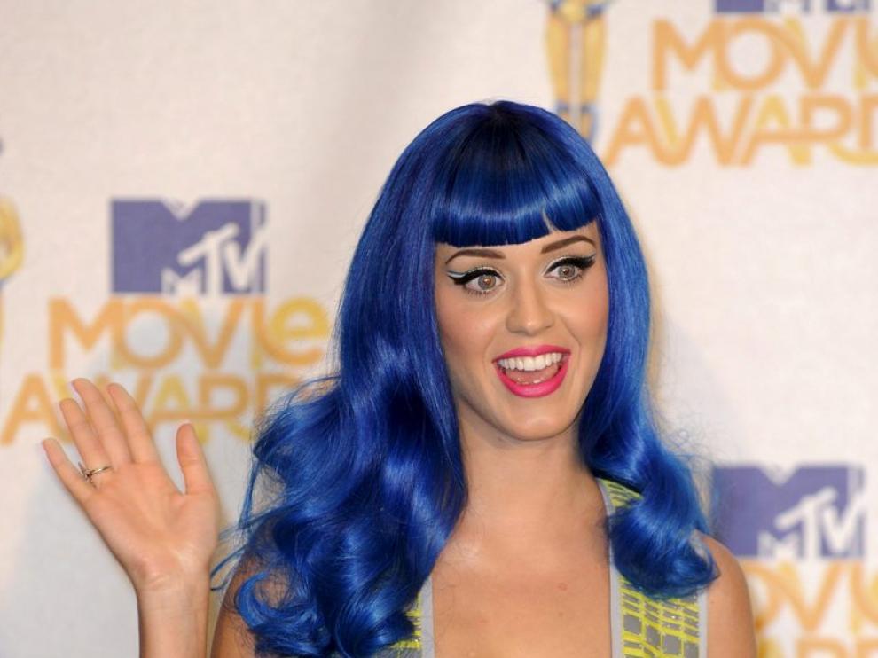La cantante estadounidense Katy Perry posa en la 19ª edición de los MTV Movie Awards