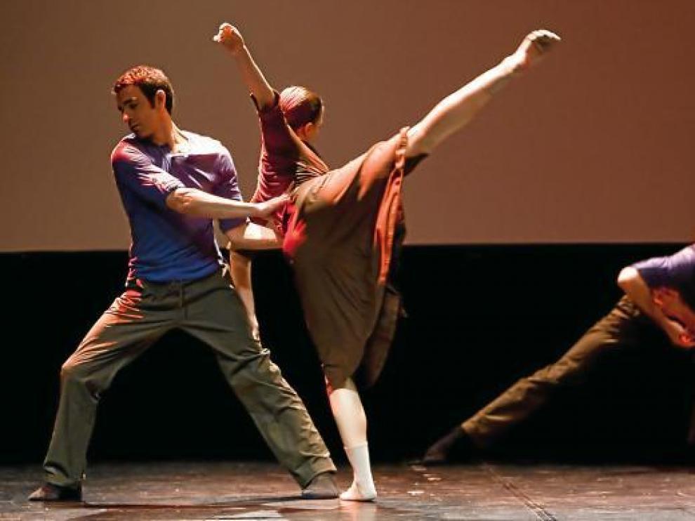 Bailarines en la coreografía 'Como el viento', un espectáculo de espíritu brasileño.
