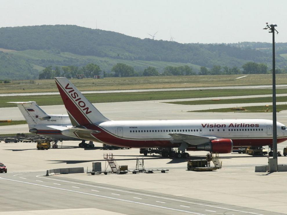 Avión conespías rusos deportados desde Estados Unidos
