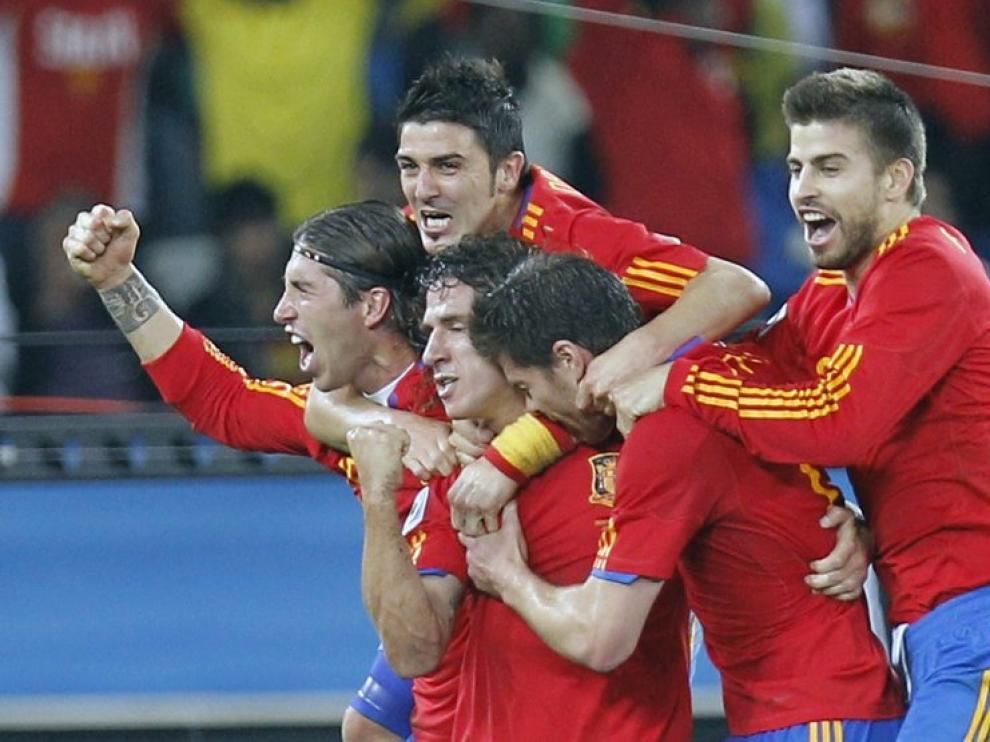 Los jugadores españoles celebran el gol que supuso el pase a la final.
