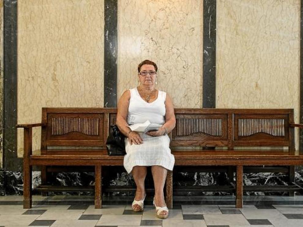 María Rosario no ha podido conseguir sus recetas en el centro de salud de La Pineda.
