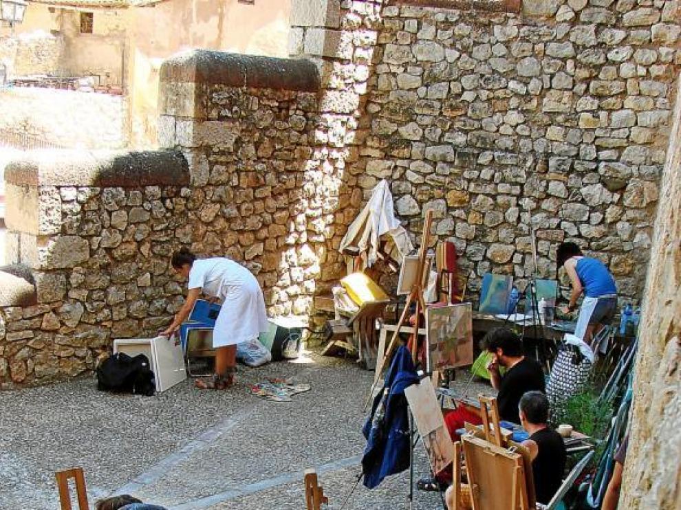 Los pintores se han lanzado a la calle para plasmar bodegones de lo más originales.