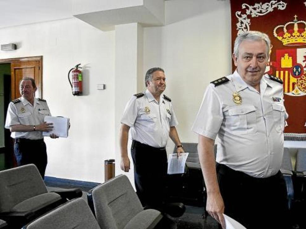 Fernando Oliván, Francisco Perea y Rafael Arenas, jefe superior.