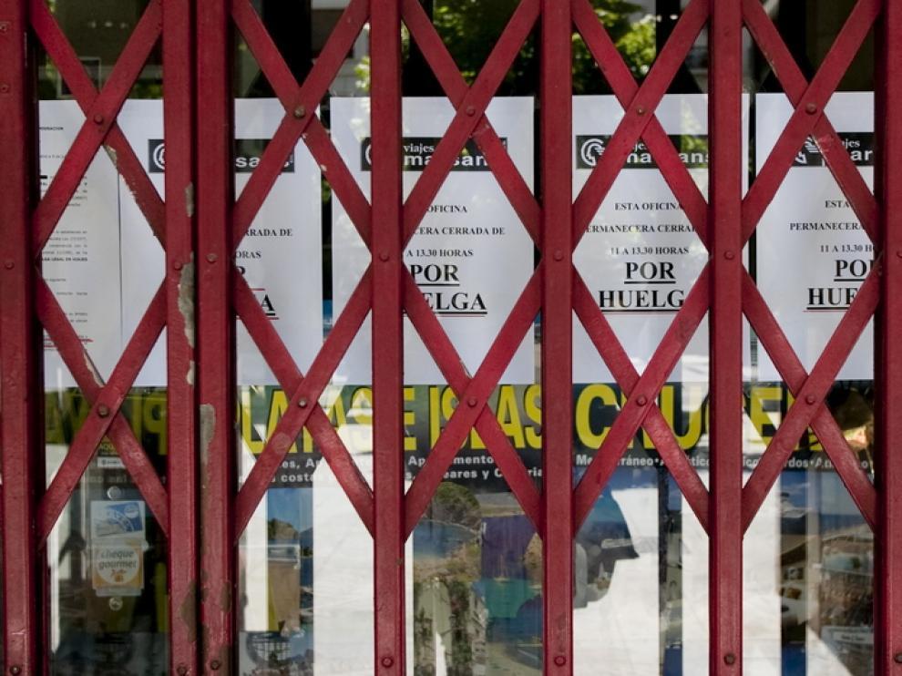 Sede cerrada de Marsans durante las protestas.