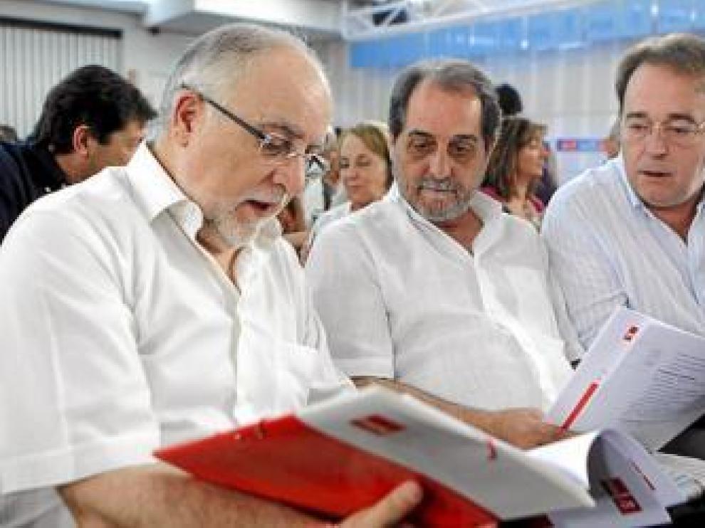 Zapatero avala la sucesión en Asturias pero elude hablar aún de la de Aragón