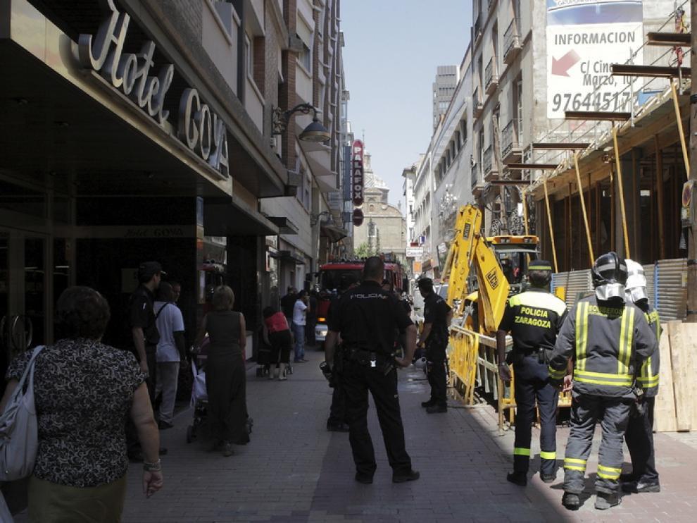 Rotura de una tubería de gas en la calle Cinco de marzo