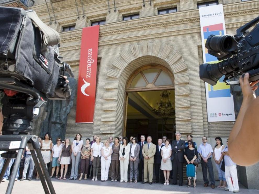Concentración en la puerta del Ayuntamiento de Zaragoza