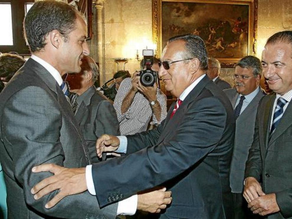 Camps, Fabra y Ripoll, juntos en agosto de 2004 en el Palau de la Generalitat.