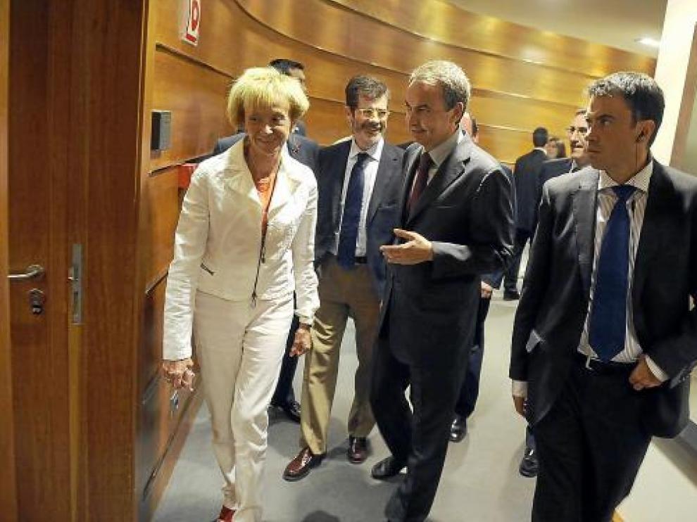 Rodríguez Zapatero y Fernández de la Vega, tras la comparecencia del presidente.