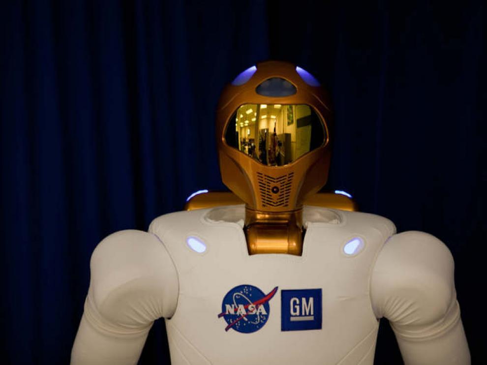 """El robot astraonauta """"twitteador"""" de la NASA"""