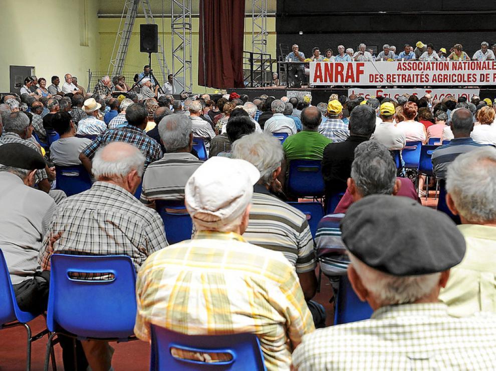 Reunión de unos 2.000 agricultores jubilados