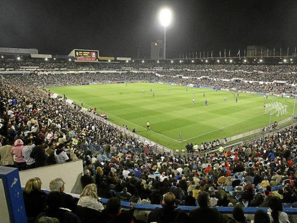 Imagen del campo de fútbol de La Romareda, cuyo solar en un futuro podría dar paso a cientos de viviendas.
