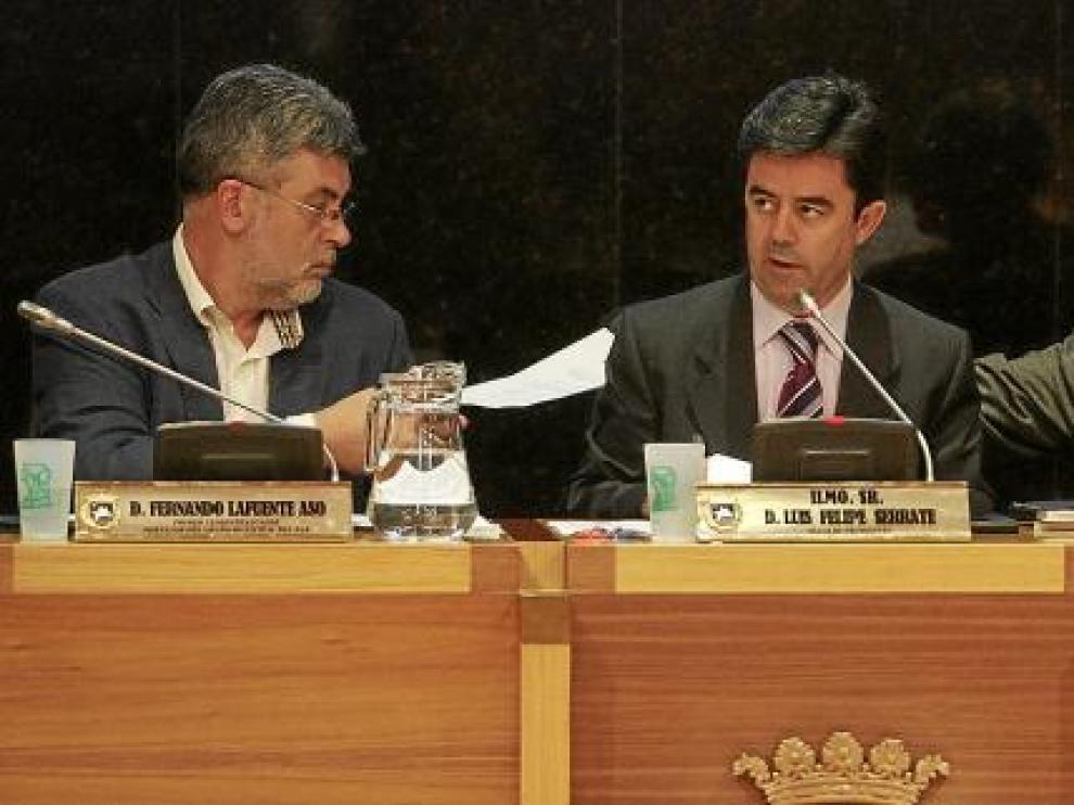 De izquierda a derecha, Fernando Lafuente, Luis Felipe y Domingo Malo durante el último pleno.