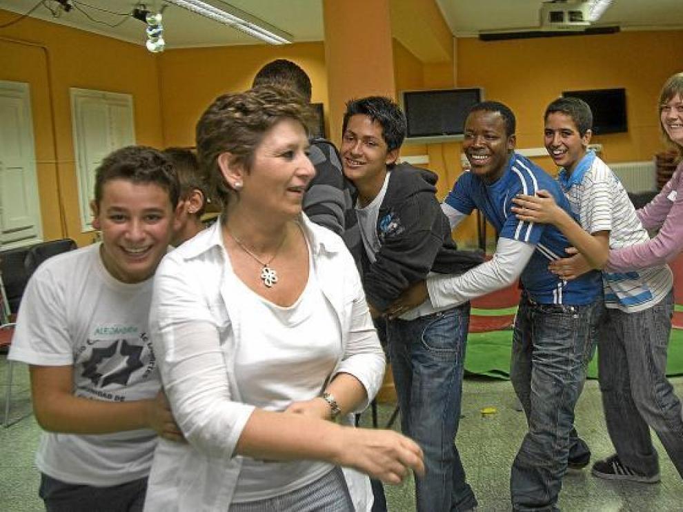 Una veintena de chavales en el taller de risoterapia de Calatayud.