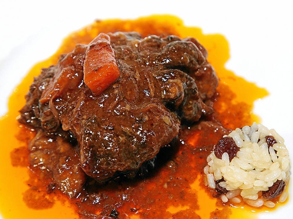 ¿Ragú de rabo de buey¿, uno de los platos del menú.