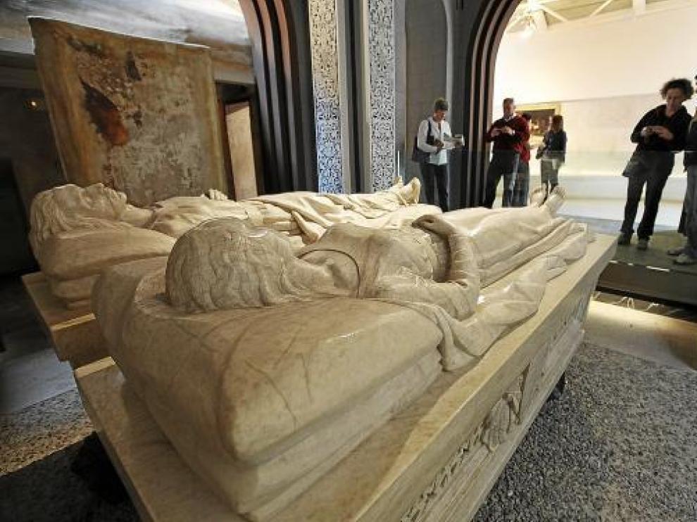 Los sarcófagos de los Amantes son los más visitados del conjunto patrimonial de San Pedro.