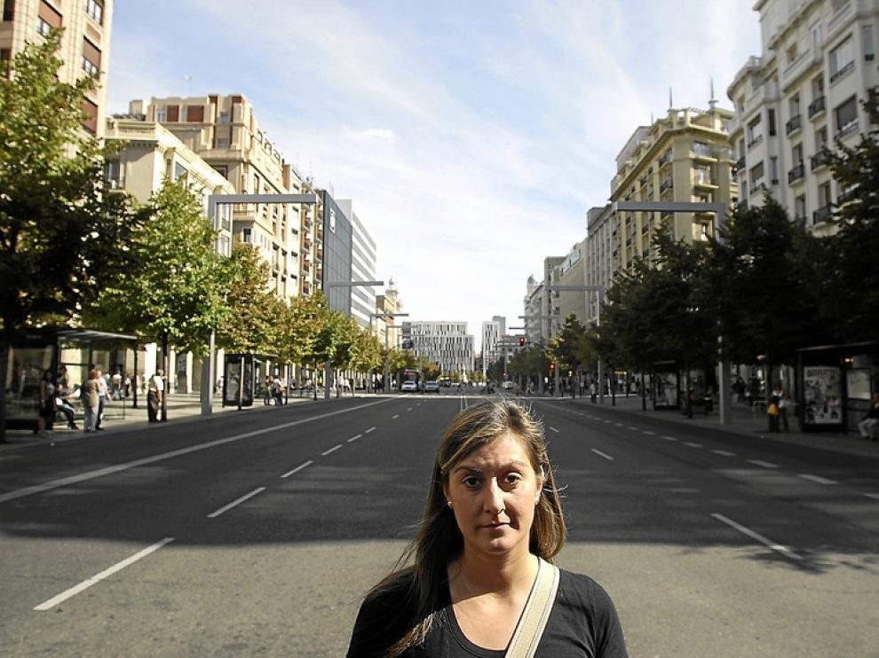 Vanesa, que empieza a superar el problema, en el paseo de Independencia de Zaragoza