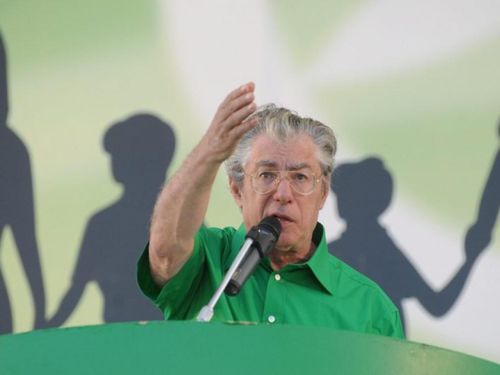 Umberto Bossi, durante un discurso