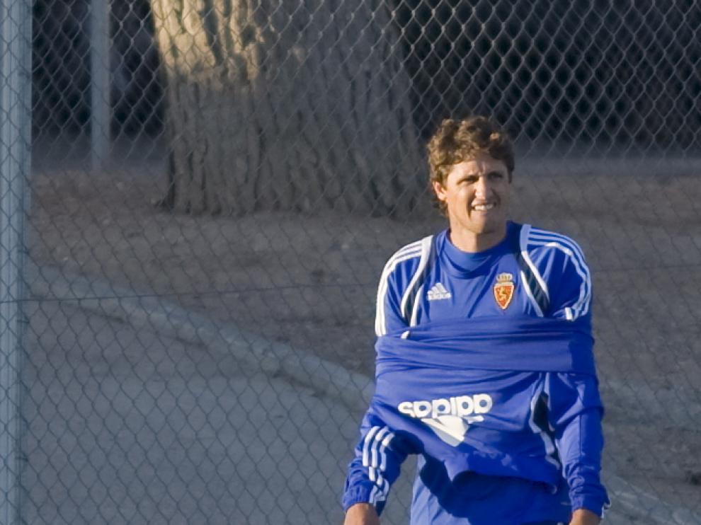 José Edmilson.