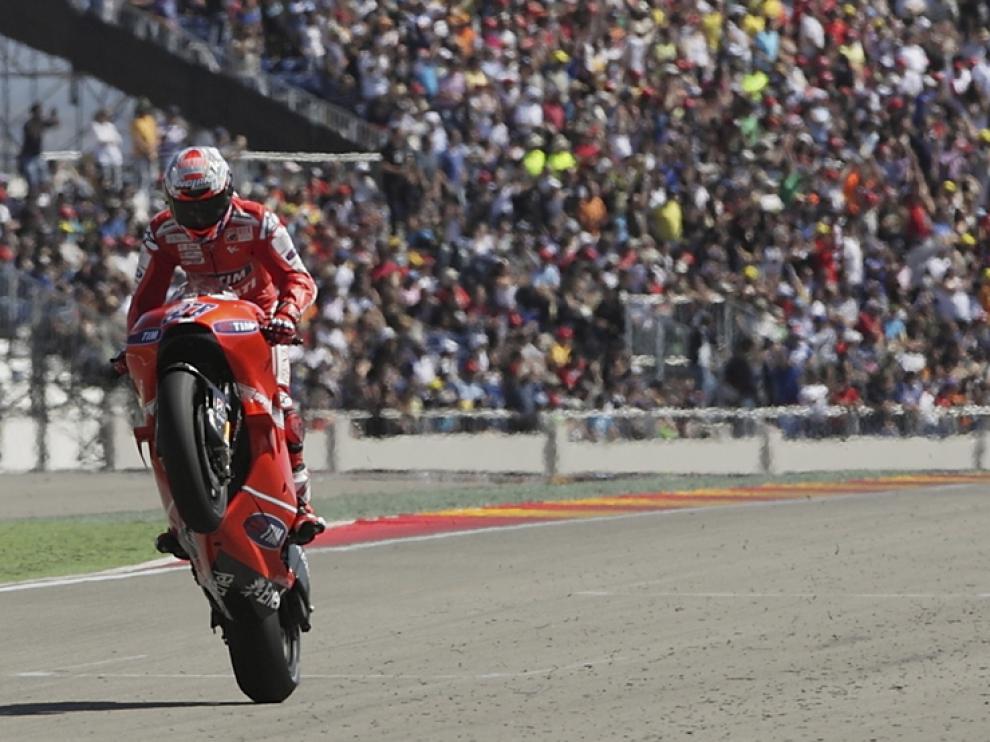 Stoner, vencedor de Moto GP en Motorland
