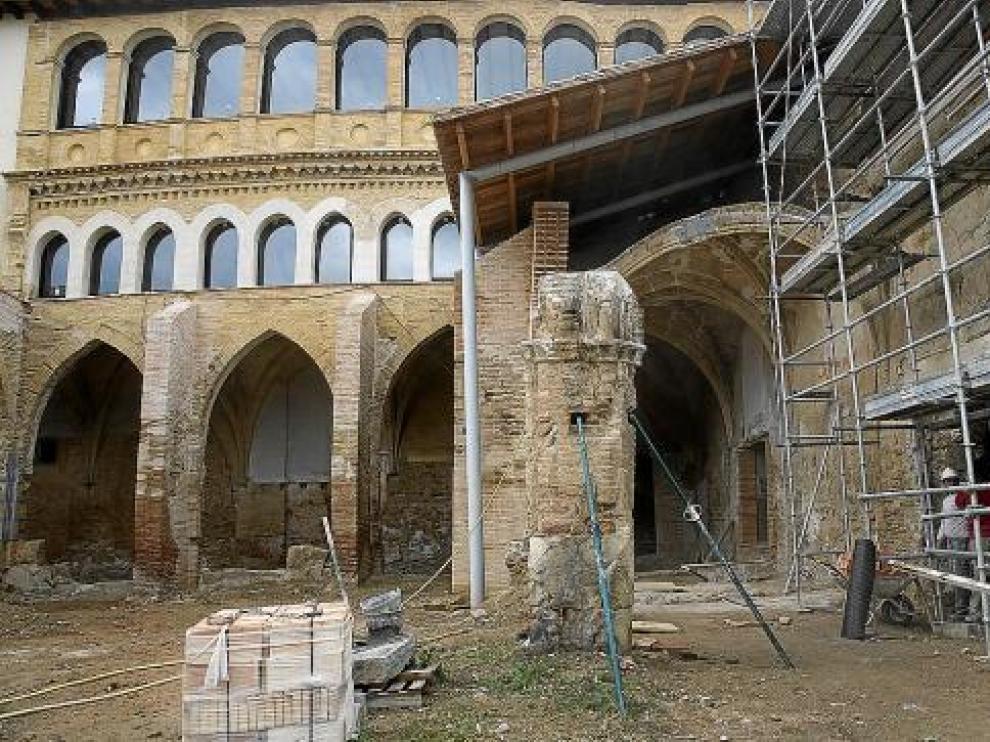 Estado que presentan las obras en los claustros de la colegiata bilbilitana del Santo Sepulcro.