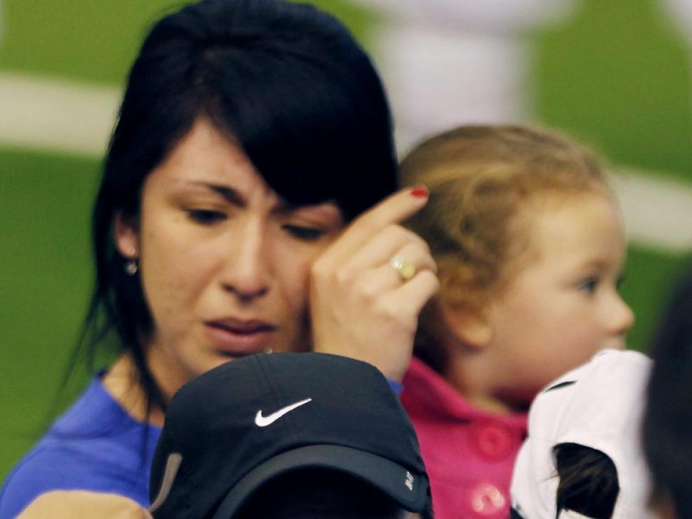 Fernando Cáceres, emocionado, junto a sus hijos